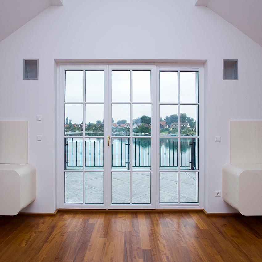 bejárati-ajtó-erkélyajtó-műanyag-erkély-ajtó